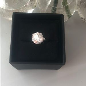 Jewelry - 🌸 Cubic Zirconia Engagement Ring 🌸